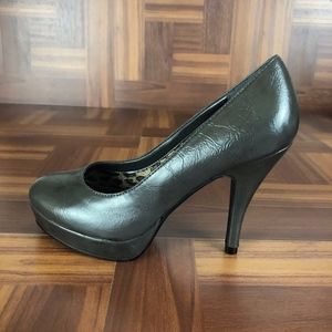 KENNETH COLE UNLISTED Platform Pump Heels